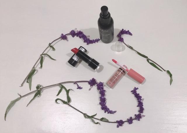 A romantic pink makeup